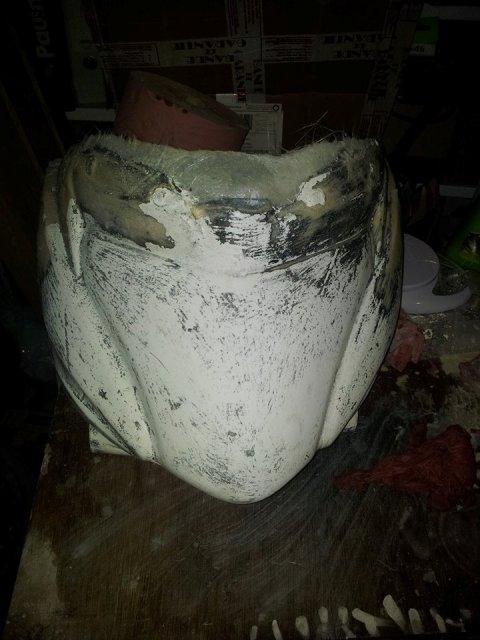 [Tuto] Fabrication pièce polyester en cours Demoulage%20fibre%20platre%202