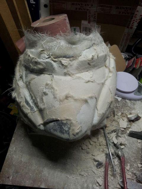 [Tuto] Fabrication pièce polyester en cours Demoulage%20fibre%20platre
